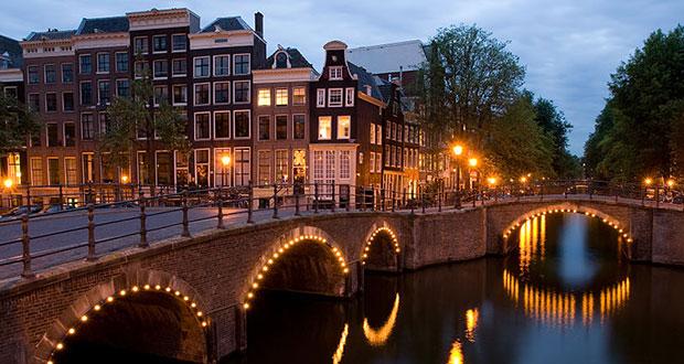 На мартовские! В Амстердам из Москвы за 8900₽ туда-обратно.