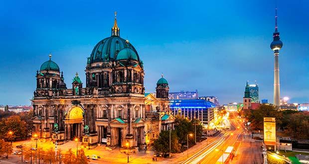 Летом, прямые рейсы из Санкт-Петербурга в Берлин от 9900₽ туда-обратно. Летит S7