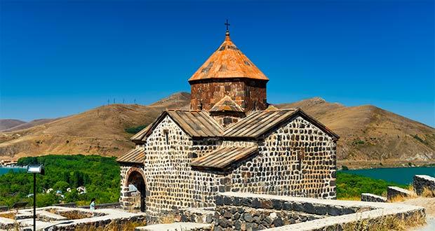Азимут открывает продажи билетов из Астрахани в Ереван от 6000₽ туда-обратно