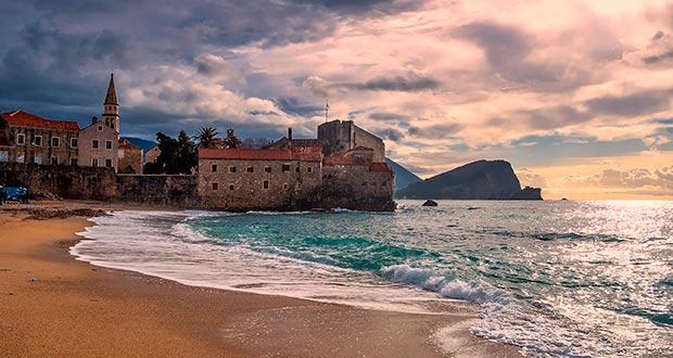 Это ХИТ! Тур в Черногорию из Мск от 6200₽/чел. на 3 ночи с захватом выходных