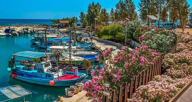 С захватом выходных из СПб на Кипр: короткие туры от 12800₽ на чел